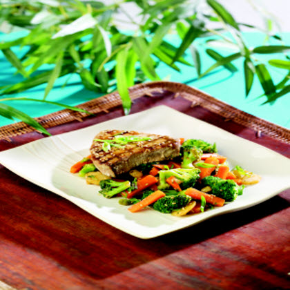 Birds Eye® Broccoli Stir-Fry with Grilled Tuna