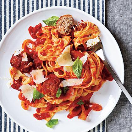 <p>Spaghetti with Turkey Meatballs</p>