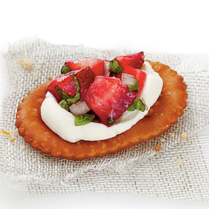Strawberry Pretzel Crostini