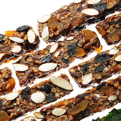 No-bake Chewy Fruit and Nut Bars Recipe