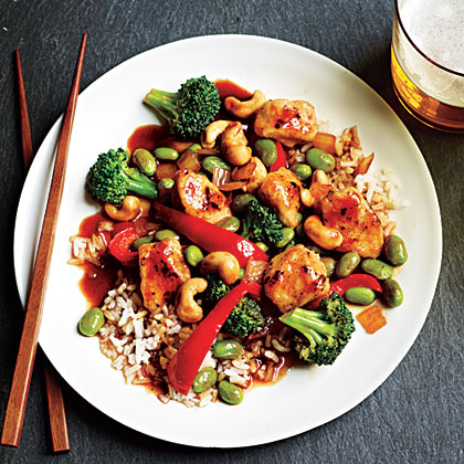 Forget takeout and cook a super-fast and flavorful Asian-inspired dinner that's ready in less than 30 minutes.Honey Cashew Chicken with Rice