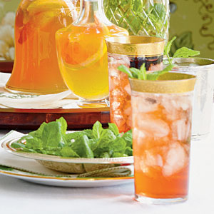 Easy Mint Juleps for Derby Parties