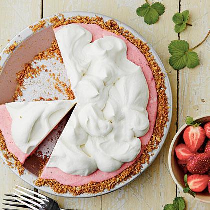 Strawberry-Pretzel Icebox Pie