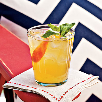 Bourbon-Peach Cocktail