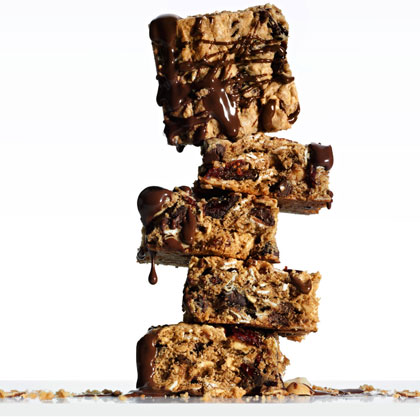 <p>Chocolate Peanut-Butter Energy Bars</p>