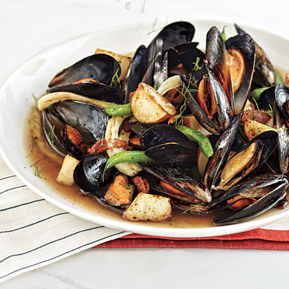 Mussels Steamed with Bacon, Beer, and Fennel