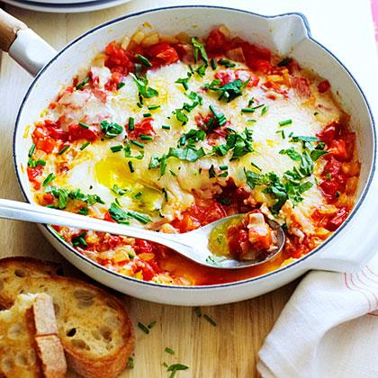Caprese Skillet Eggs Recipe
