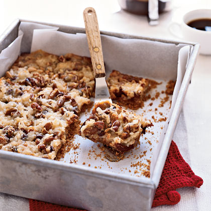 How do you prevent dessert bars from crumbling when you cut them?
