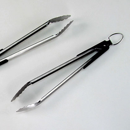 Is it safe to use the same tongs to put meat on the grill as to take it off?