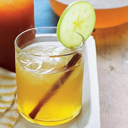Apple Pie-Bourbon Sweet Tea