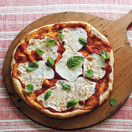 Mozzarella and Basil Pizza