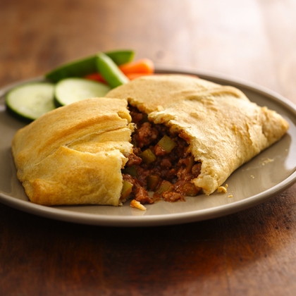 Enjoy these hand pies made using beef and Pillsbury® Big & Flaky crescent dinner rolls - a delicious dinner that's ready in 30 minutes.