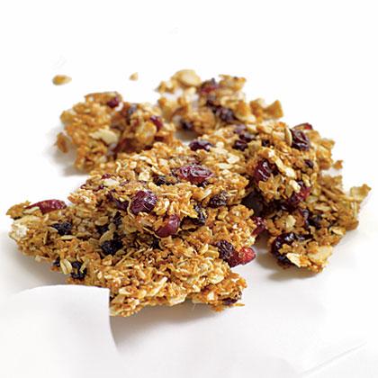 Molasses-Almond GranolaRecipe