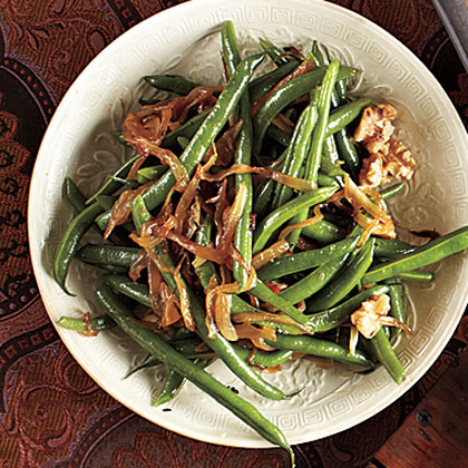 Green Beans with Caramelized Onions and WalnutsRecipe