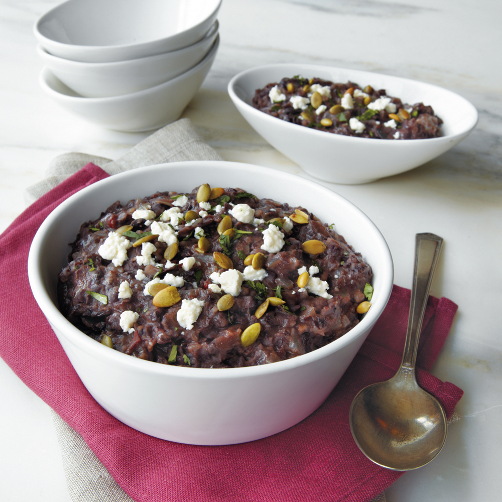 Black beans are a staple side to any Mexican dish. Serve these beans warm and tender after 10 hours in the slow cooker.Santa Fe Black Beans Recipe