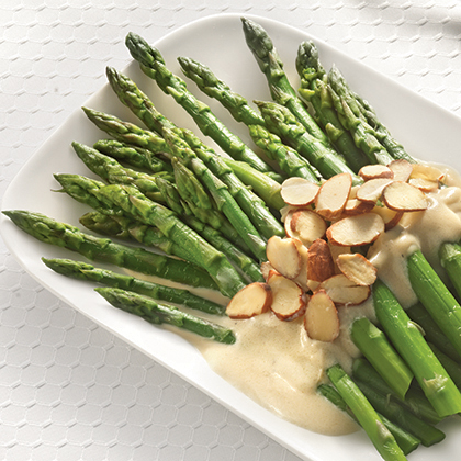 Asparagus and Almonds with a Garlic Cream Sauce Recipe | MyRecipes