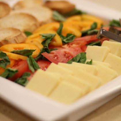 Caprese Cheddar Cheese Tray