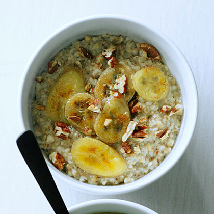 Steel-Cut Oatmeal with Toasted Pecans and Caramelized BananasRecipe