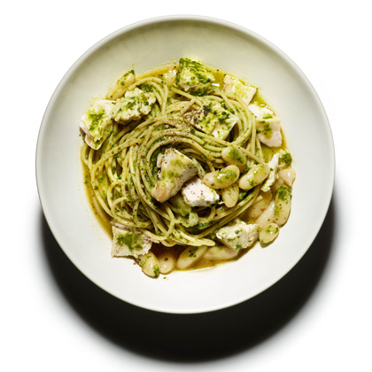<p>Whole Wheat Pasta with Kale and Roast Chicken</p>
