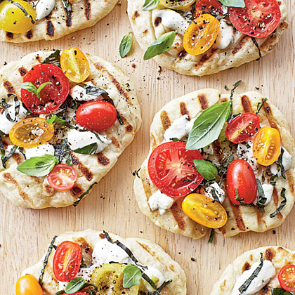 Grilled Tomato-Basil Pizzettes Recipe | MyRecipes