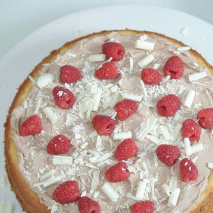 PHILADELPHIA INDULGENCE Chocolate Mousse Cheesecake