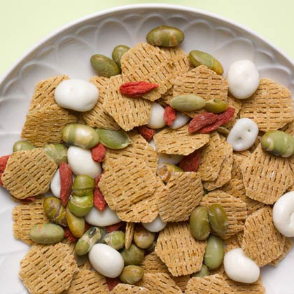 <p>Super Snack Mix</p>