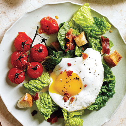 BLT Salad with Eggs Sunny Side UpRecipe
