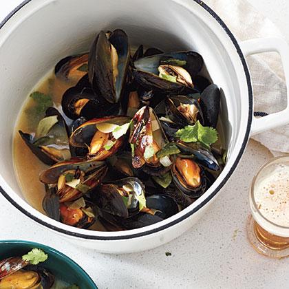 Mussels in Smoky Poblano-Cilantro Broth