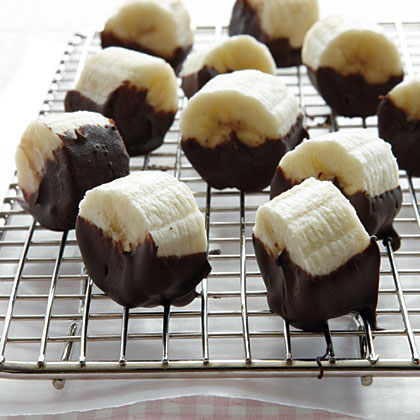 carb-lovers-chocolate-dipped-banana-bites-x.jpg
