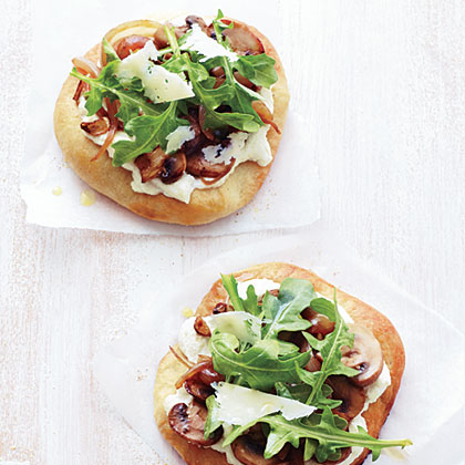 Individual Mushroom, Onion, and Arugula Pizzas Recipe