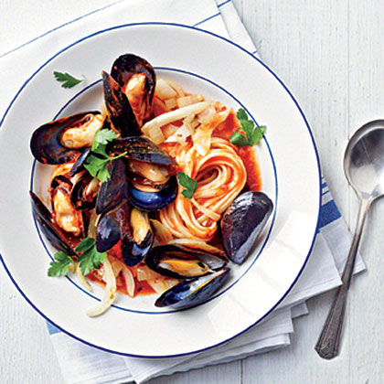 Mussels Fra Diavolo with Linguine Recipe
