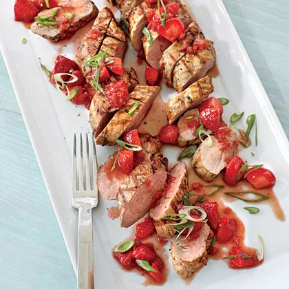 Pepper-crusted Pork Tenderloin with Strawberry-Balsamic Sauce