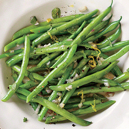 Steamed Green Beans with Lemon-Mint Dressing Recipe