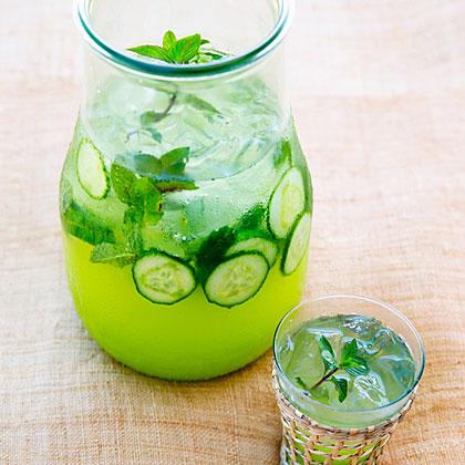 Cucumber Mint Spritzer Recipe