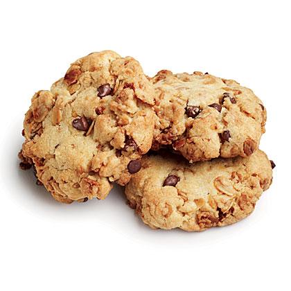 Quinoa-Granola Chocolate Chip Cookies