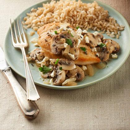 Mediterranean Chicken and Mushroom Skillet