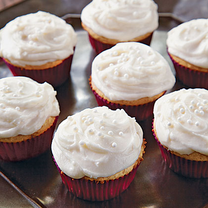 Vanilla Cupcakes with Creamy Vanilla Buttercream