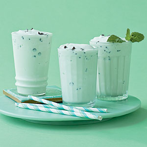 mint-chocolate-chip-shake-cl-x.jpg