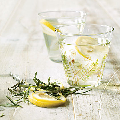 Lemon-Rosemary Sun Tea