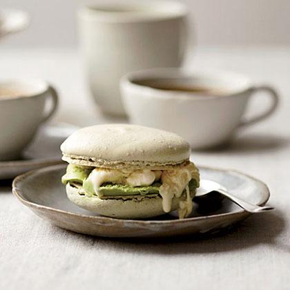 Matcha-Macaron Ice Cream Sandwiches Recipe