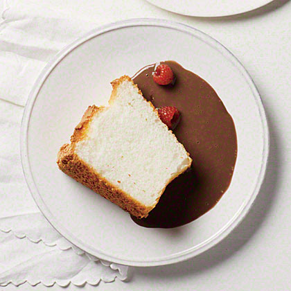 Vanilla Angel Food Cake with Chocolate Sauce Recipe