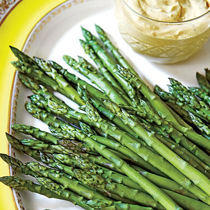 Asparagus with Curry Dip