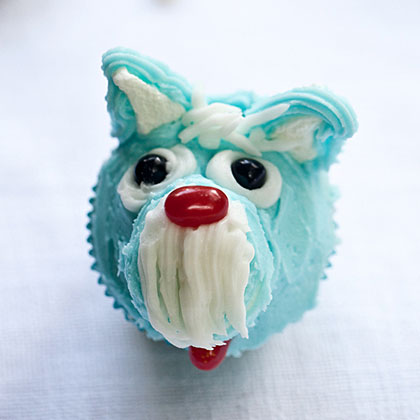 Take home a Best In Show ribbon for these blue-hued cuties. Raise your paws for seconds!Schnauzer Cupcakes Recipe