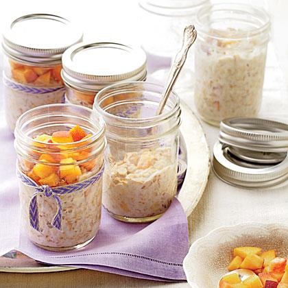 Peaches-and-Cream Refrigerator Oatmeal