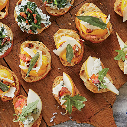 Crostini RecipeProvide a variety of toppings for Crostini. To get a head-start to entertaining, Crostini may be made one day ahead and stored in a airtight container at room temperture, making them perfect for serving on game day.