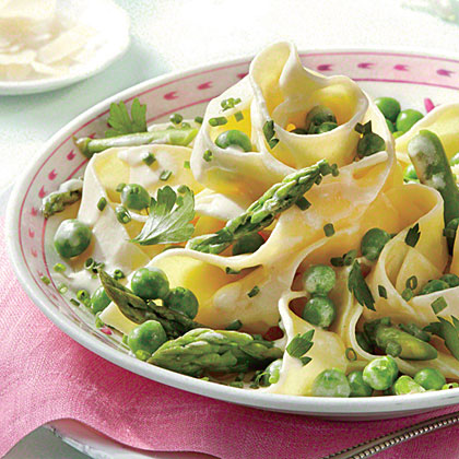 Creamy Asparagus, Herb, and Pea Pasta