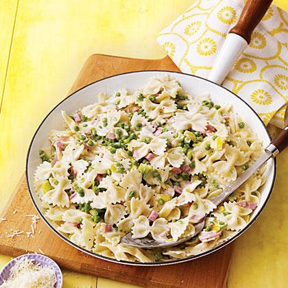 Bow-Tie Pasta with Ham, Leeks and Peas Recipe