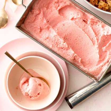 <p>Strawberry Balsamic Frozen Yogurt</p>