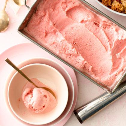 Strawberry Balsamic Frozen Yogurt