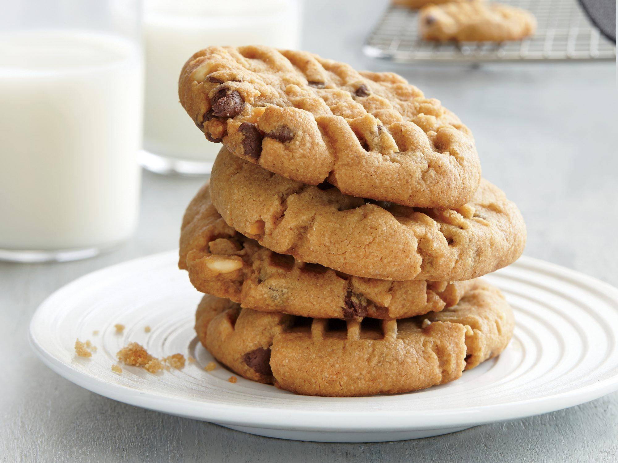 Gluten-Free Peanut Butter Chocolate Chip Cookies